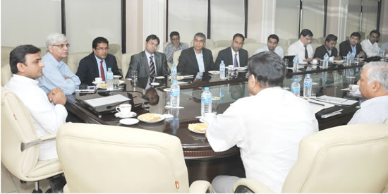 u-cm-with-global-invester-meet