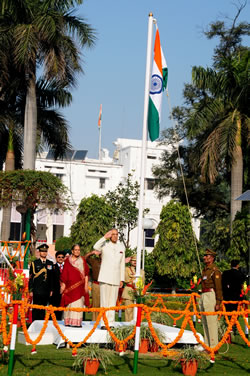 up-governor-b-l-joshi-in-republic-day-celebration-2013