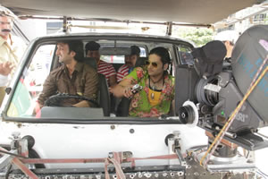 edited-actor-akshay-singh-and-ali-fazal-during-a-car-sequence