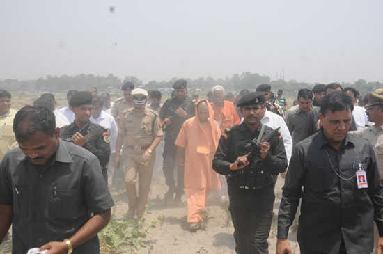 up-cm-yogi-in-agra