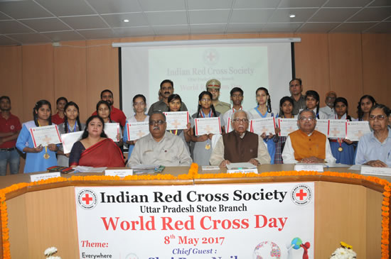 up-governor-shri-ram-nyak-redcross