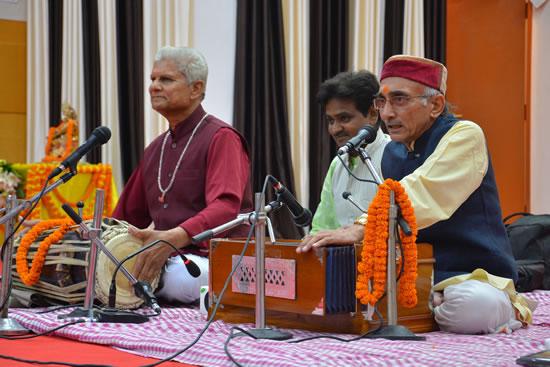 sanskritik-karyakrm-prastut-karte-vc-prof-rajaja-ram-yadav