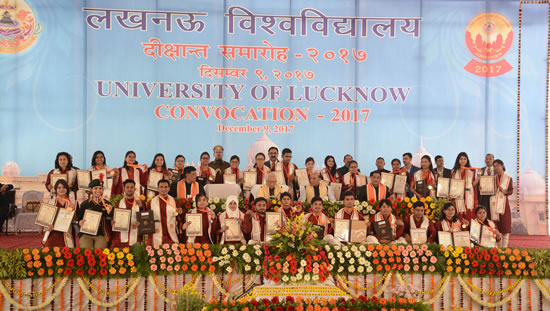 students-with-medals-and-degrees-with-distinguished-guests-at-convocation-of-lucknow-university